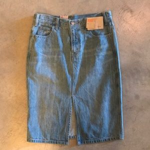 Levi's Skirts - Levi's high rise denim skirt